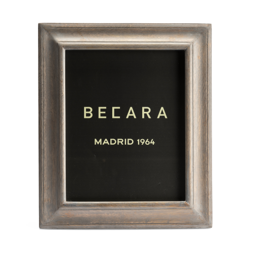 Big wooden photoframe
