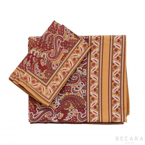 Shatoosh red/camel brown square tablecloth with 6 napkins