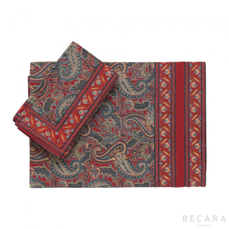 Shatoosh red/green tablecloth with 8 napkins