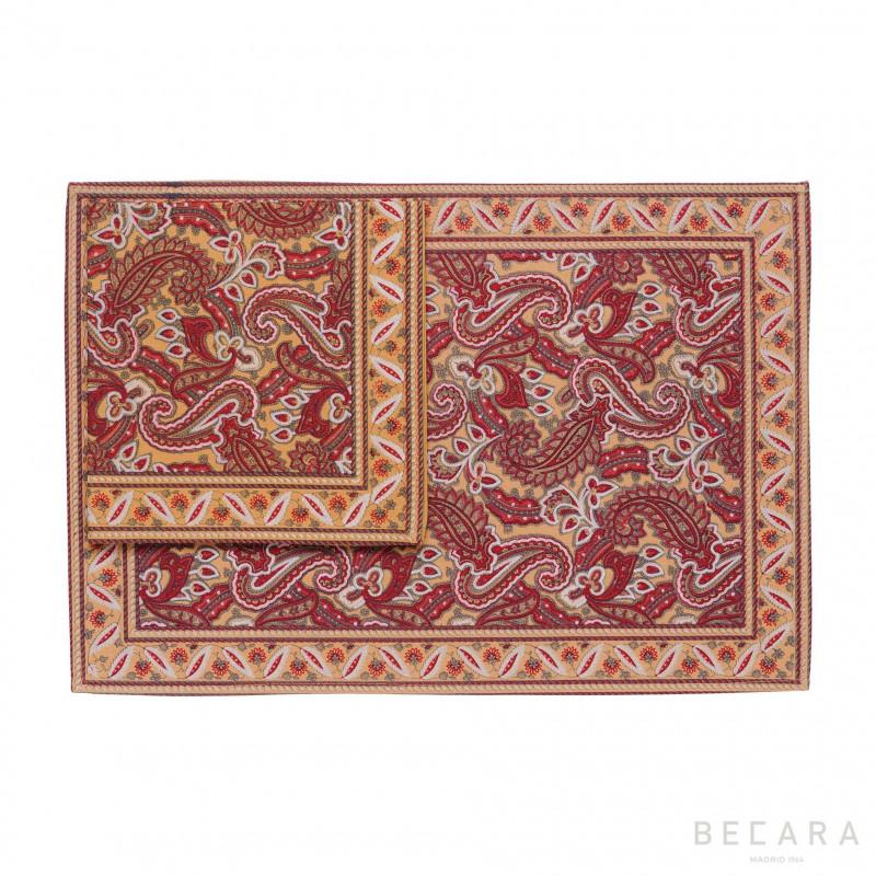 Mantel individual con servilleta Shatoosh rojo/camel - BECARA