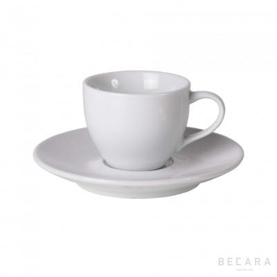 Taza de café solo con plato