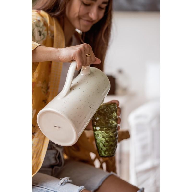 Green/white jug