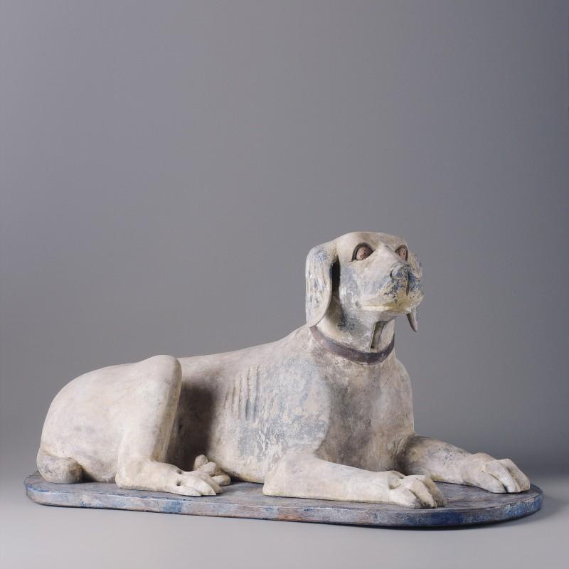 Perro de madera tumbado - BECARA