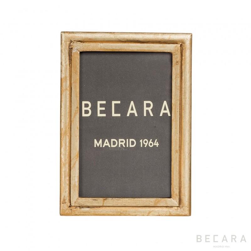 Marco dorado de madera - BECARA
