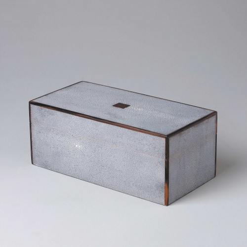Caja shagreen con borde de ébano