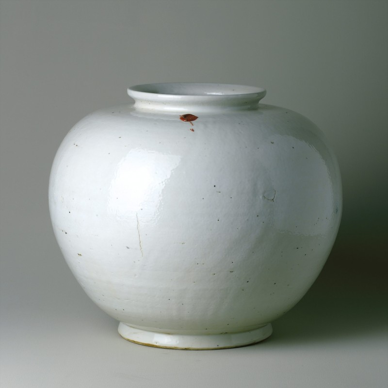 Big porcelain liquor pot