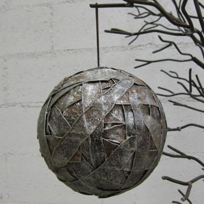Bola de Navidad tiras plateadas Ø16cm