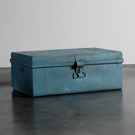 Baúl de metal azul
