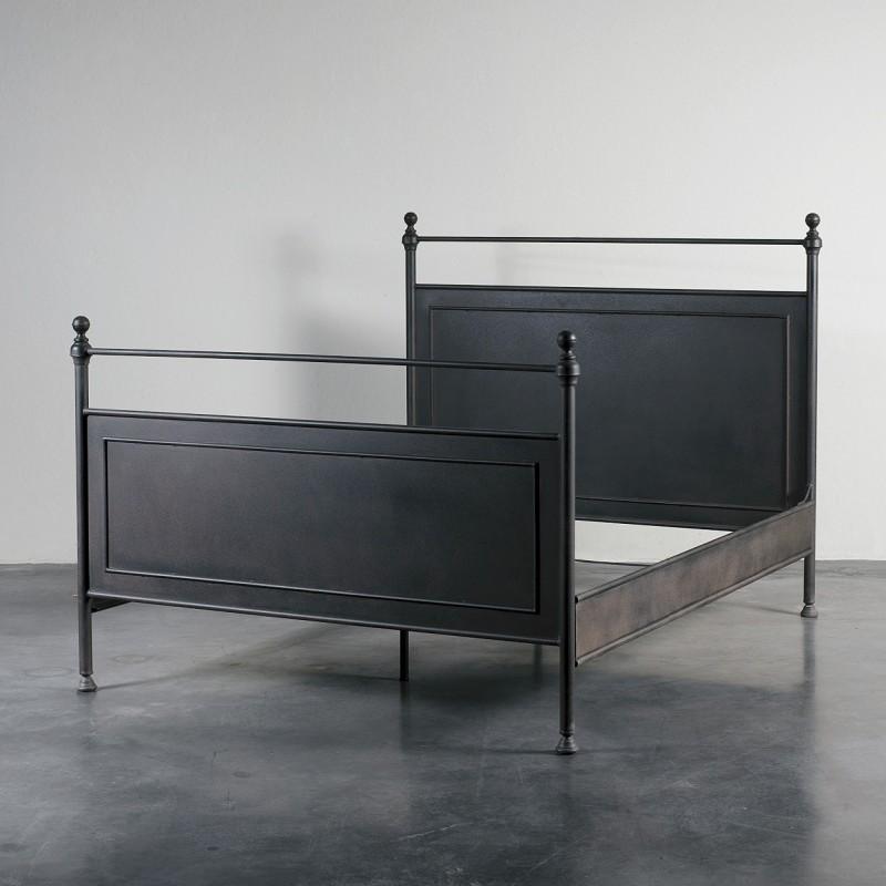 Cama de hierro oscuro - BECARA