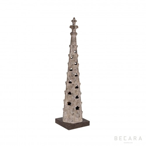 Wooden tower obelisk