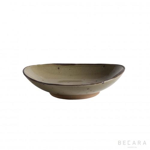 Medium oval Narita plate