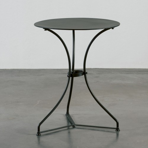 Round smooth side table