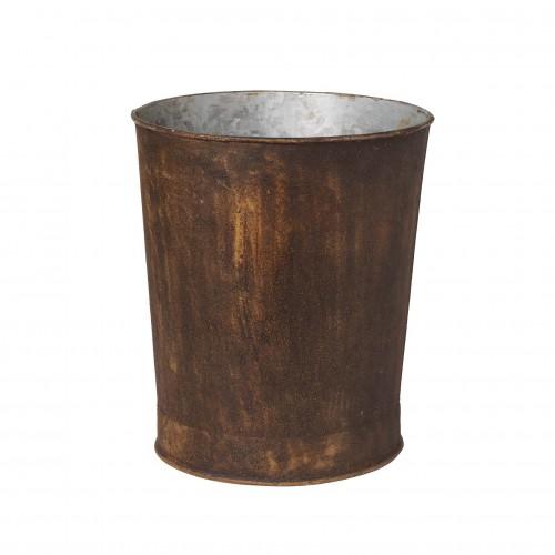 Cubo de hierro oxidado