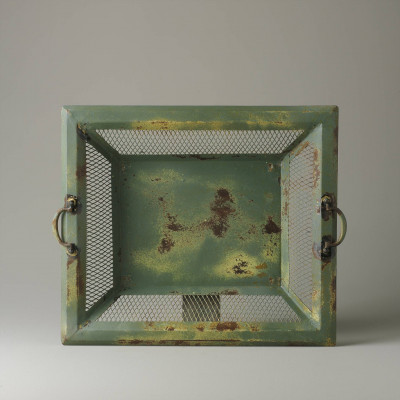 Small green wickerwork tray