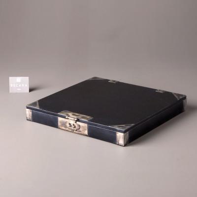 SQUARED BLACK BOX