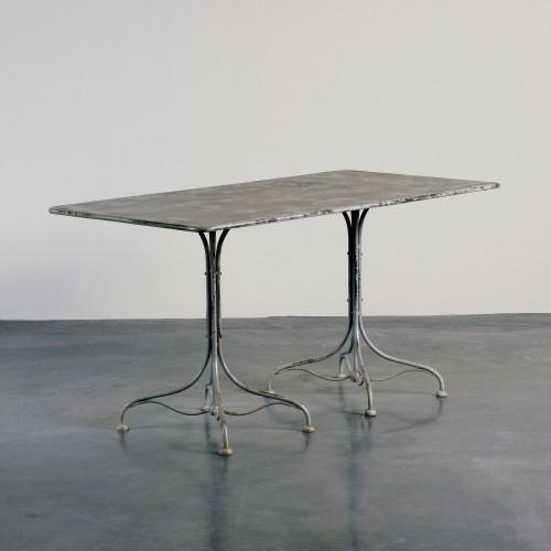 Mesa de comedor de jardín de hierro negro