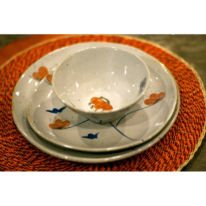 Round Imari platter with handles