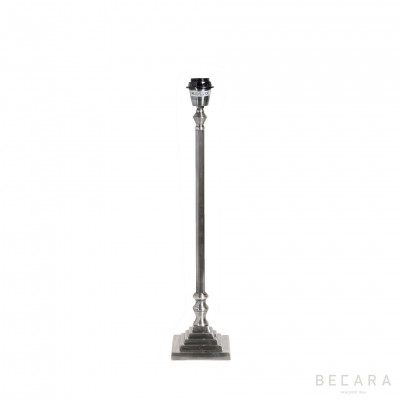 METAL SQUARE BASE LAMP