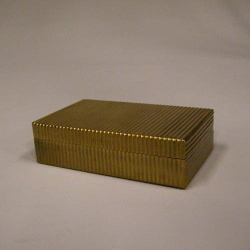 Caja dorada con estrías - BECARA