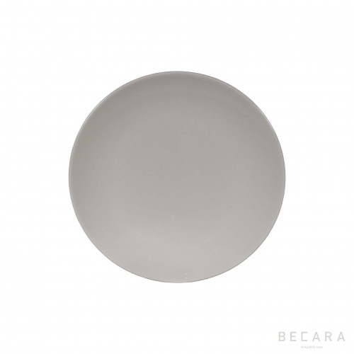 White smooth plate