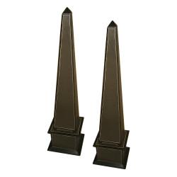 Set of 2 brown obelisk