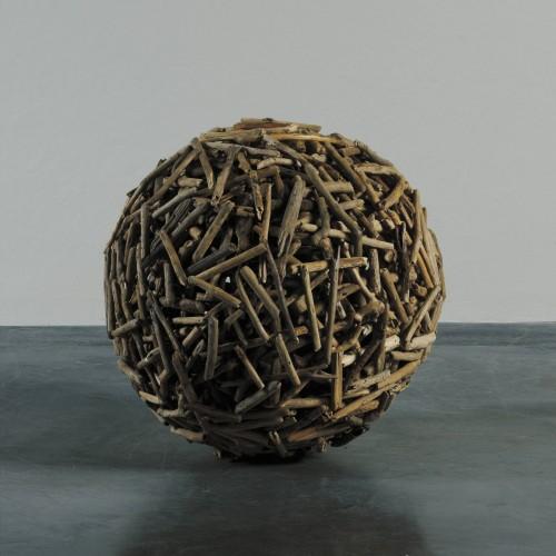 Medium sticks ball