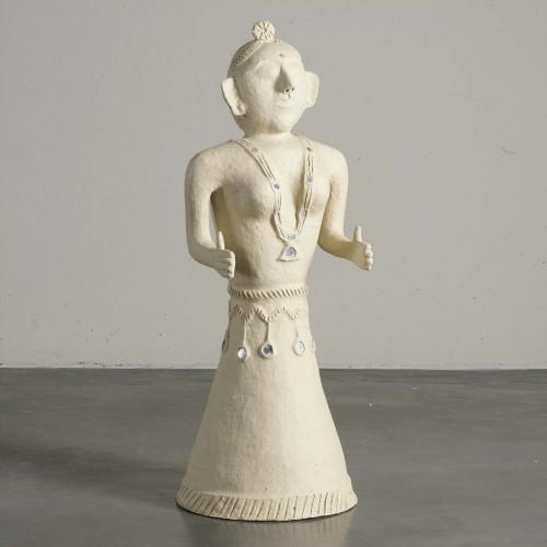 Figura de papel maché mujer