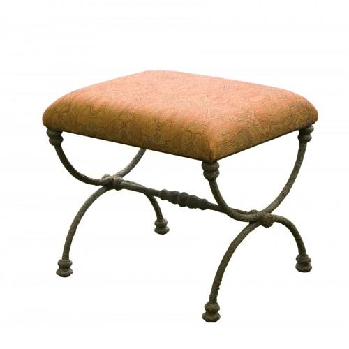 Gia stool