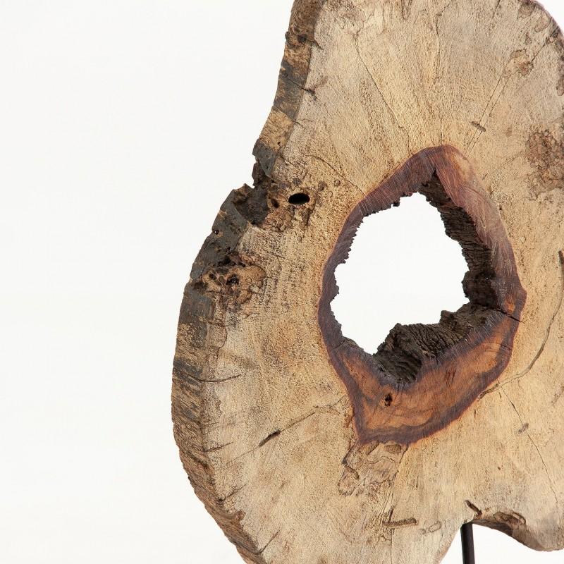 Wooden log sculture