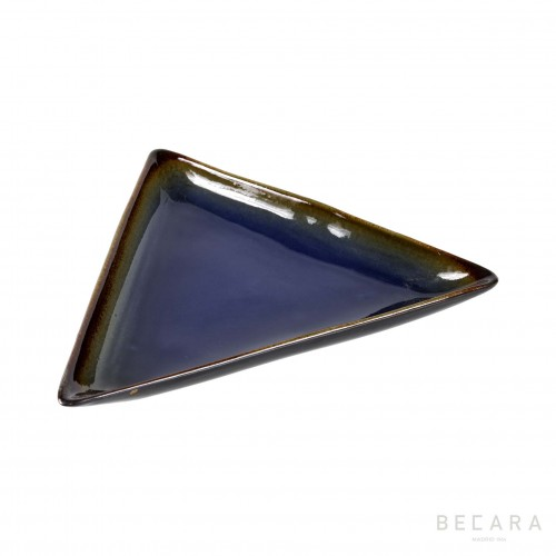Fuente triangular - BECARA
