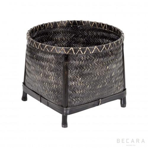 Medium basket with legs