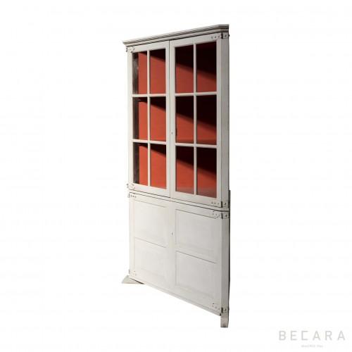 Moon corner bookshelf