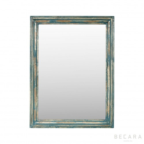 Cracked golden frame mirror