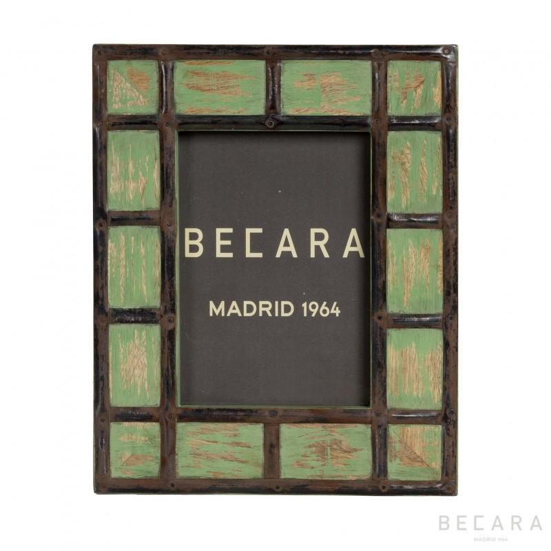 Marco con cuadros de metal verde - BECARA