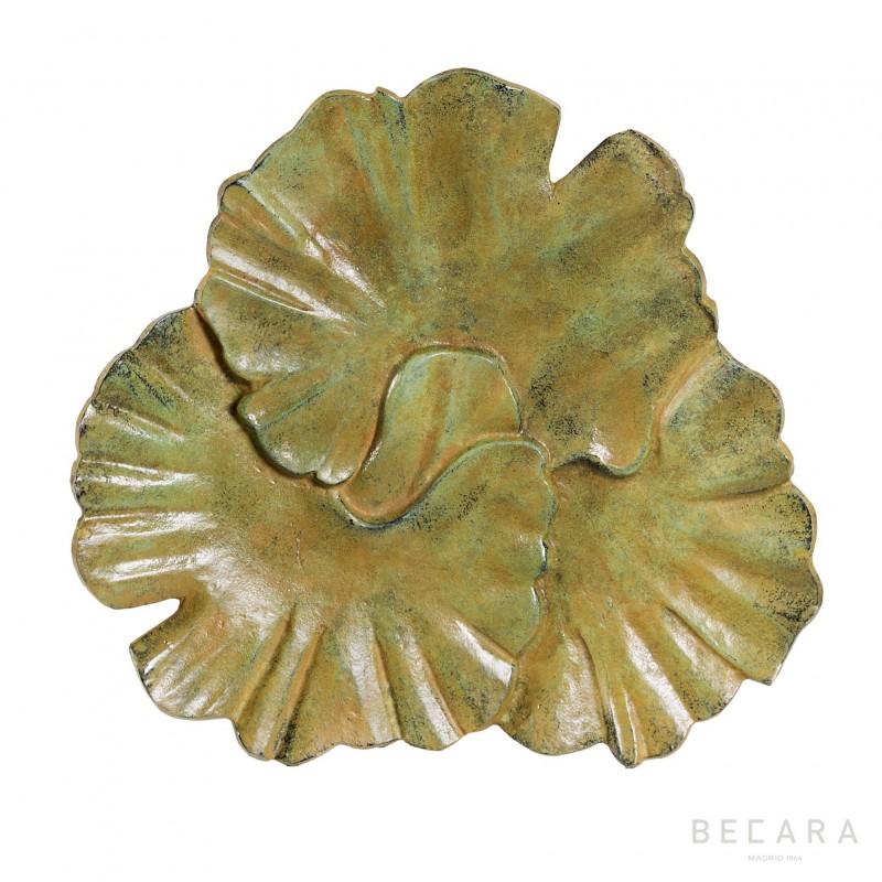 Fuente ocre de hojas - BECARA