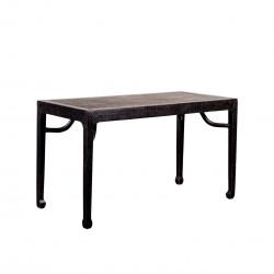 Mesa de piedra rectangular negra