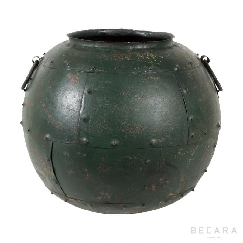 Metal green pot with handles