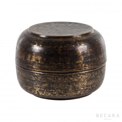 Caja de bronce grande con flores  - BECARA