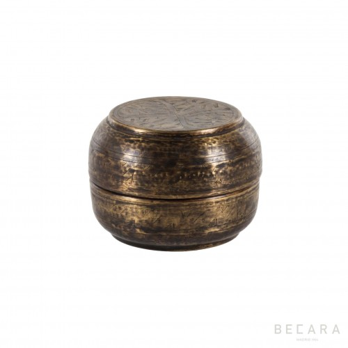Small bronze box with flowers