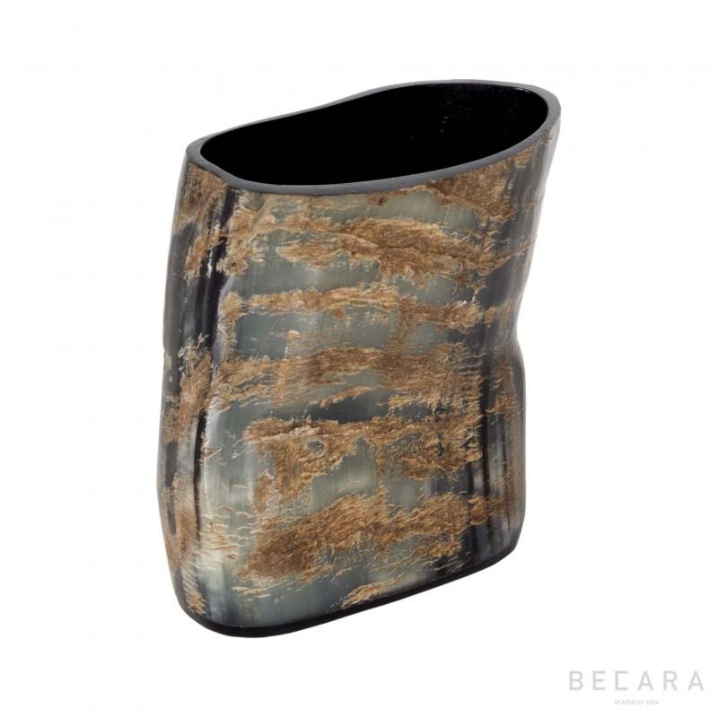 Wrinkled horn glass