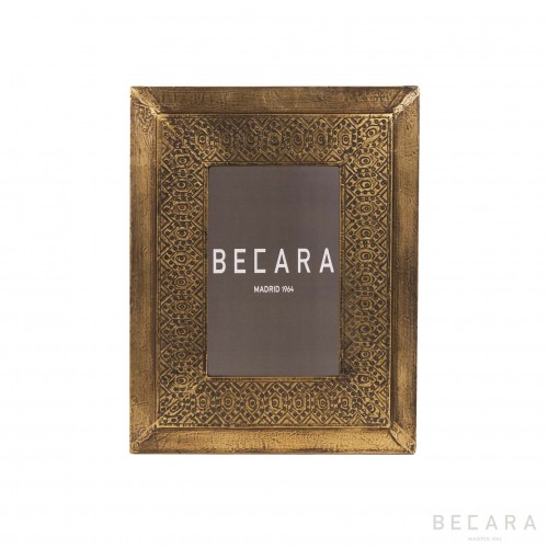 Marco de fotos dorado grabado II - BECARA