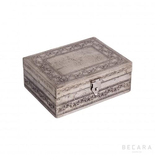 Caja grabada pequeña - BECARA