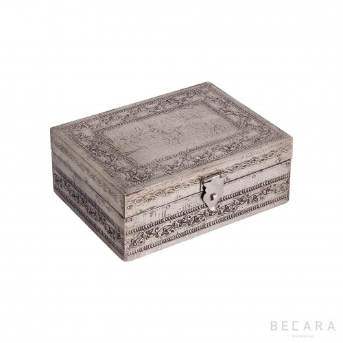 Small engraved box