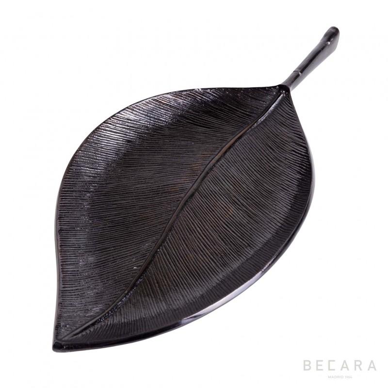 Big creeper leaf