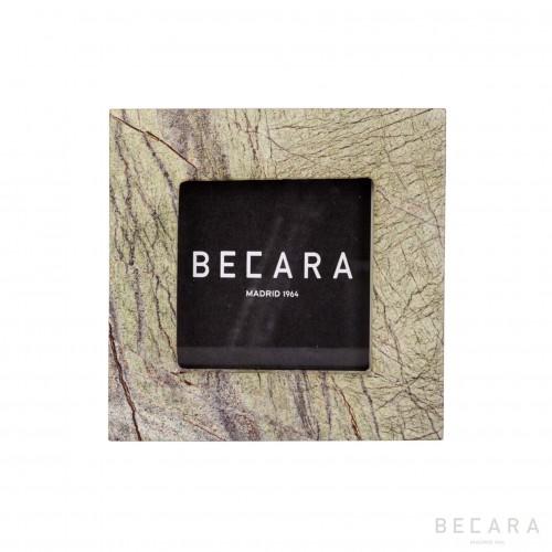 Marco Forest cuadrado - BECARA