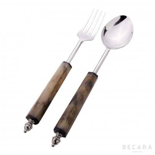 Salad cutlery set with horn handle