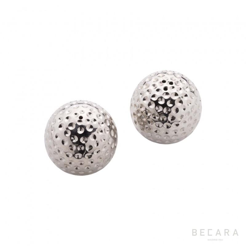 Golf balls salt and pepper set