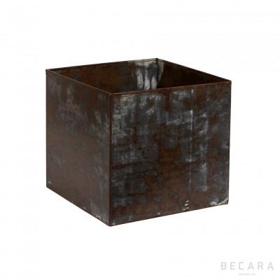 Macetero mediano de hierro oxidado - BECARA