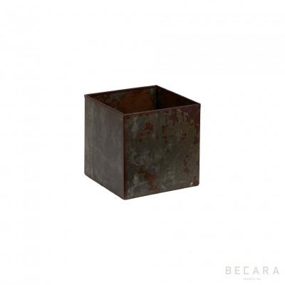 Small rusty iron planter