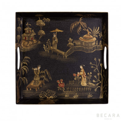 Pagoda square tray with handles